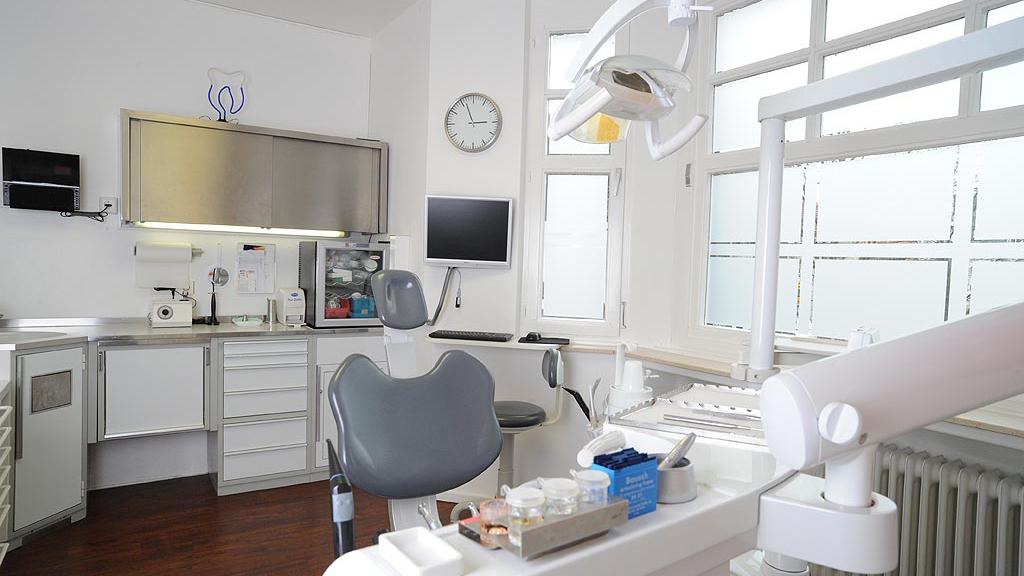 Zahnärztliche Gemeinschaftspraxis Enscheder Strasse 1 Foto des Behandlungszimmer3